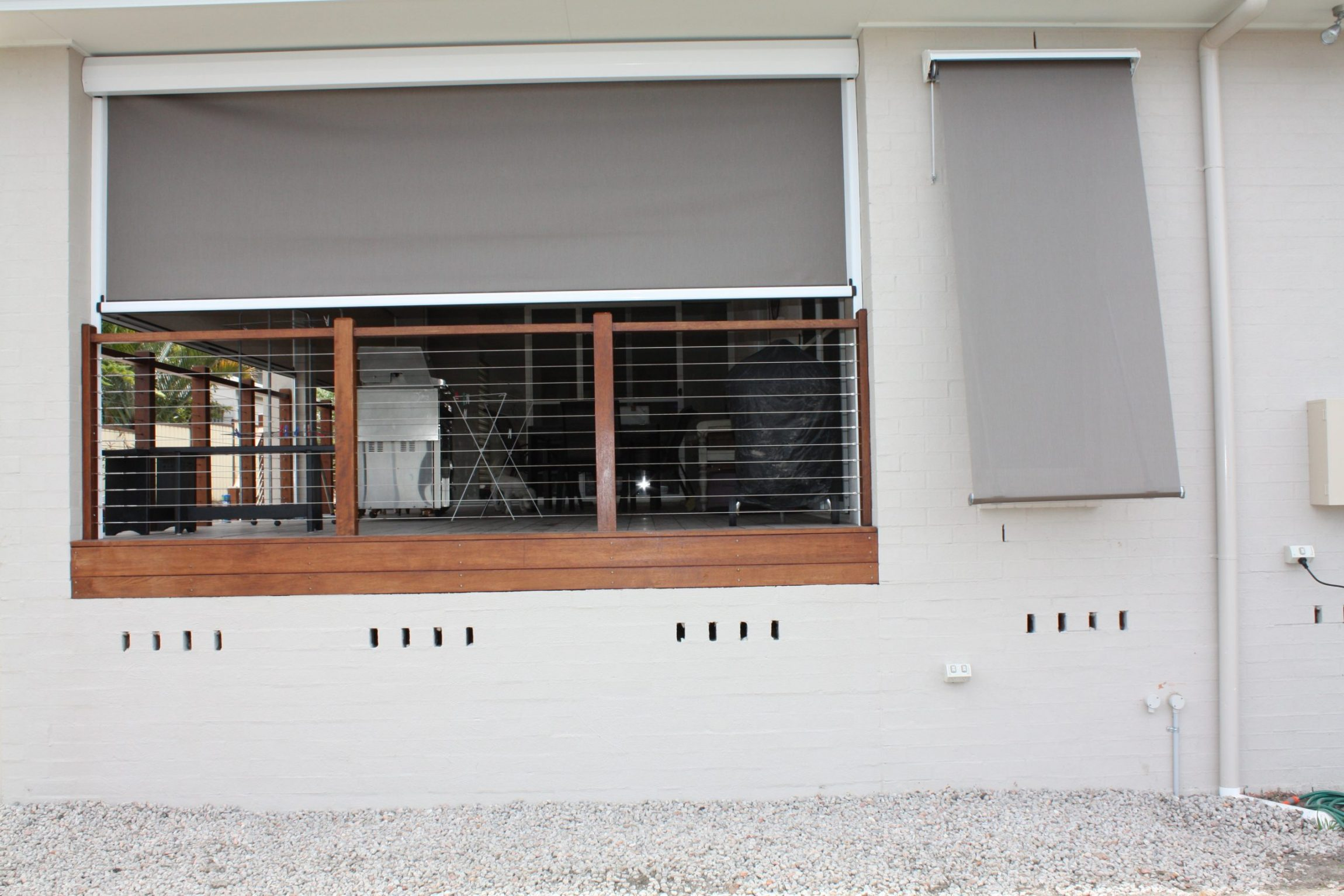 External Window with Auto Lock Arm Awning