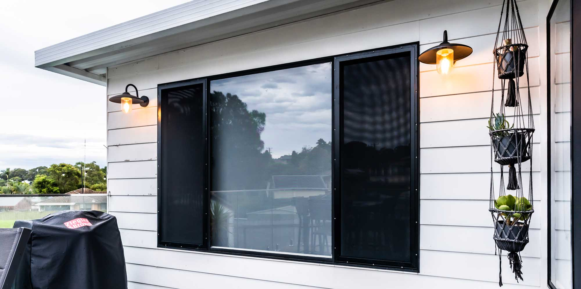 Lakeview-Blinds-Export-2-74-SECURITY-SCREEN